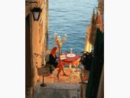 Портреты и знаменитости: раскраски без коробки Чтение у моря