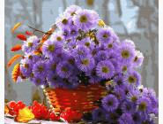 Сиреневые цветы в корзинке