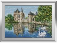 Замок у озера(лебеди)
