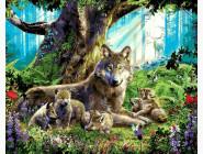 Животные и рыбки Волчица с волчатами