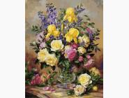 Желтые ирисы и розы