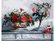 Розы на камине