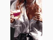 картина по номерам Незнакомка с бокалом шампанского