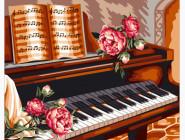 Розы и пианино