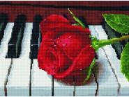 Роза на рояле