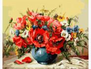 Маки с полевыми цветами