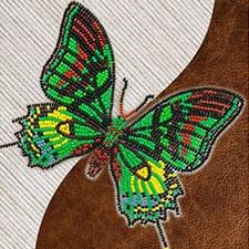 Бабочки из бисера на флизелине